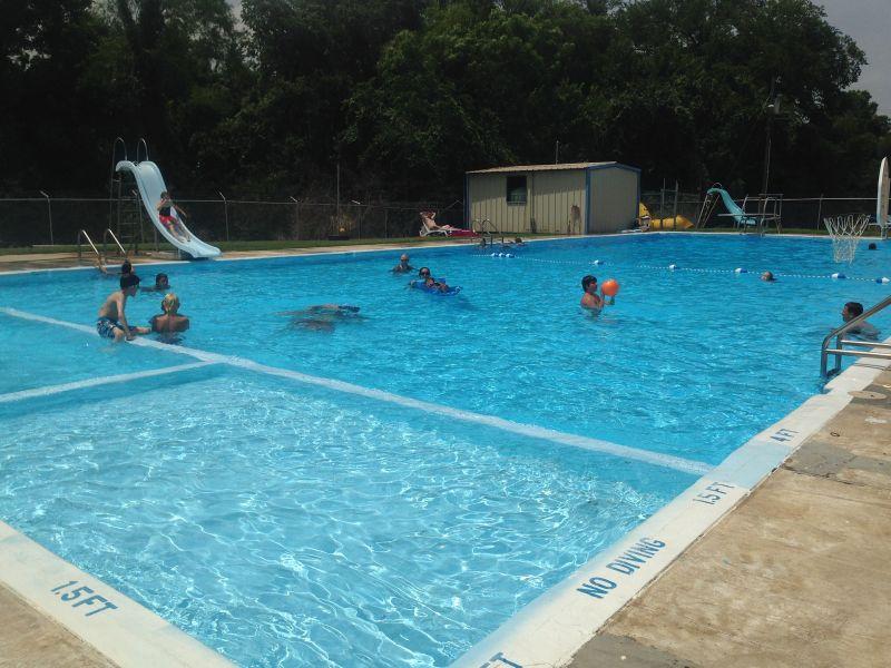 swimming pool city of hubbard